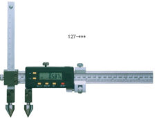 Штангенциркуль отраслевой цифровой с коническими вставками для измерения расстояния между центрами отверстий (ШЦОЦ7)  запросить стоимость